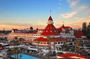 22-hotel-del-coronado-property-pool-sunset-turret-14-jbahu-med