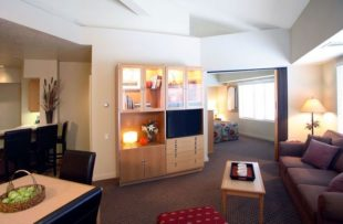 squaw-valley-lodge-room